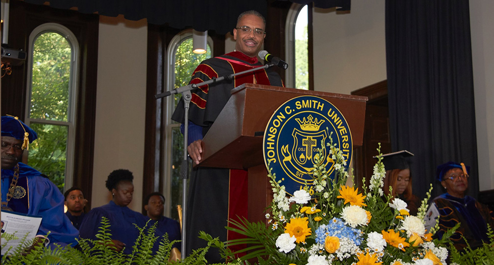 The campus took a moment to give thanks and praise for our graduating class during our Baccalaureate Service. Thank you to our Baccalaureate Speaker, Rev. Robert Charles Scott, Senior Pastor, St. Paul Baptist Church.